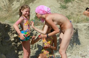 family art nudism